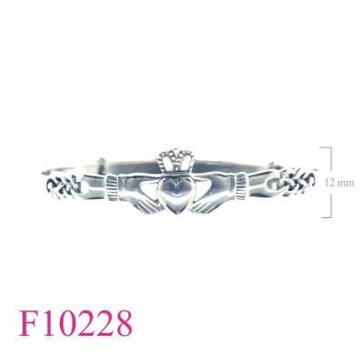 F10228